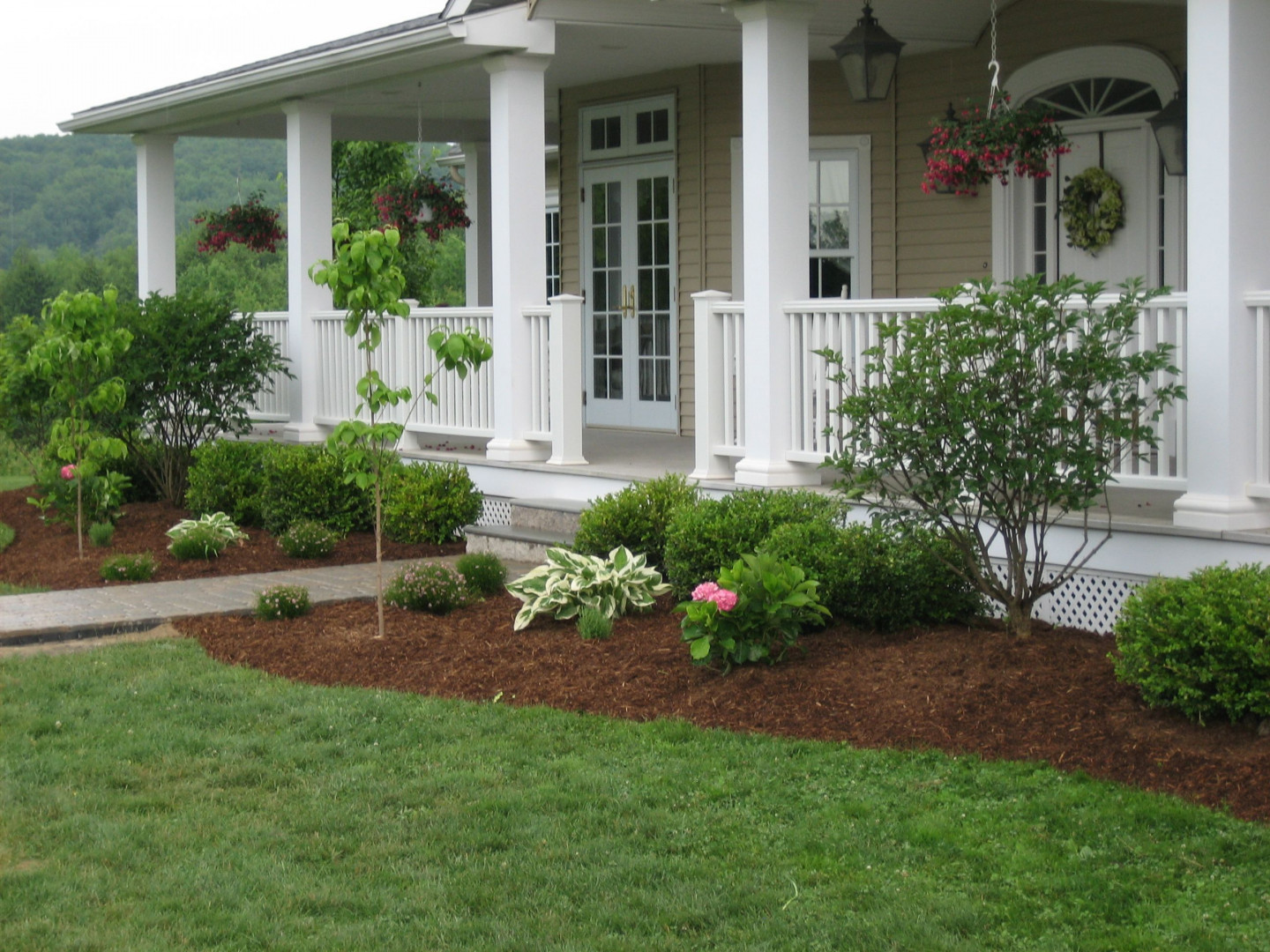 Transform Your Outdoor Spaces With Custom Landscaping
